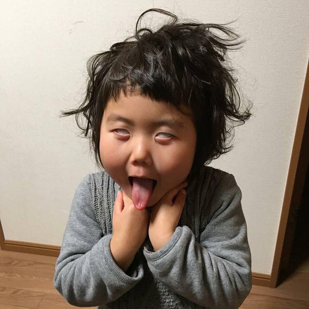 Bị mẹ dìm hàng không thương tiếc nhưng biểu cảm mặt xấu của cô bé 5 tuổi vẫn khiến dân mạng điêu đứng - Ảnh 4.