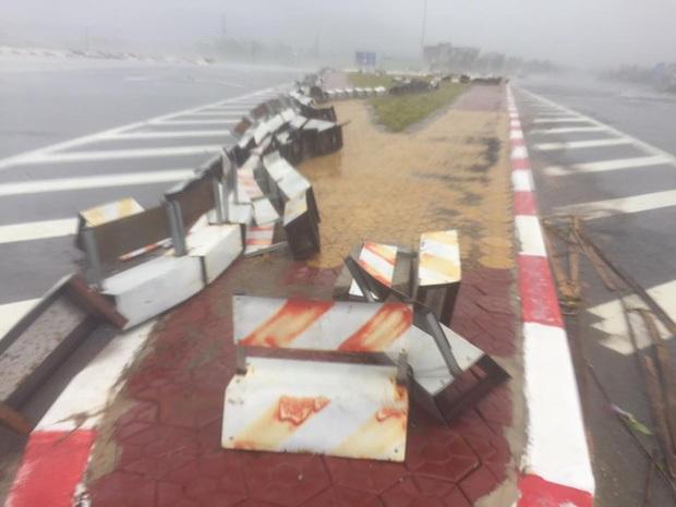 Bão số 10 đổ bộ vào đất liền, vùng tâm bão mưa to, gió giật mạnh - Ảnh 24.