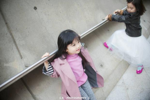 Cứ mỗi mùa Seoul Fashion Week đến, dân tình lại chỉ ngóng xem street style vừa cool vừa yêu của những fashionista nhí này - Ảnh 37.
