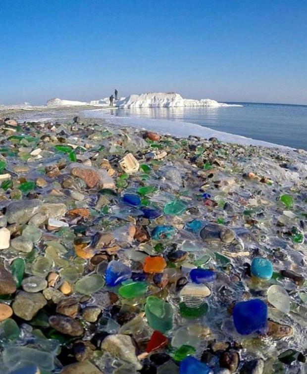 Hàng triệu mảnh thủy tinh bị vứt xuống biển, 10 năm sau điều không ai ngờ đến đã xảy ra - Ảnh 5.