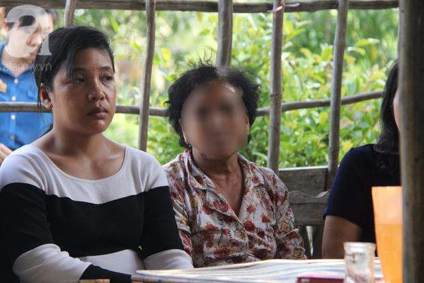Mẹ bé gái 13 tuổi tự tử nghi do hàng xóm xâm hại: Gia đình người đàn ông ấy vẫn chửi bới, đe dọa tôi - Ảnh 5.