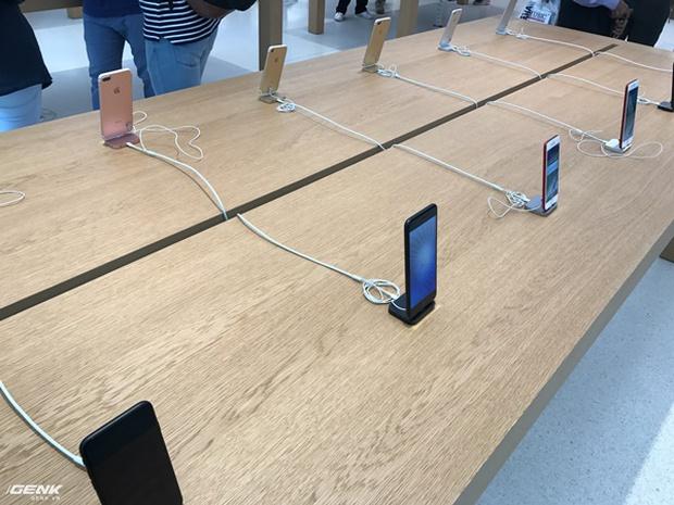 Trải nghiệm thực tế Apple Store Orchard Singapore: khi bạn không chỉ trả tiền cho thương hiệu, thiết kế mà quan trọng hơn cả là trải nghiệm - Ảnh 5.