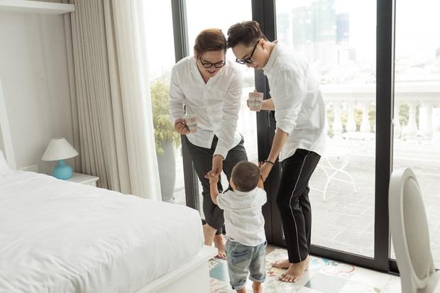 Cuộc sống hạnh phúc của cặp đôi đồng tính nam ở Sài Gòn cùng con trai hơn 1 tuổi - Ảnh 6.