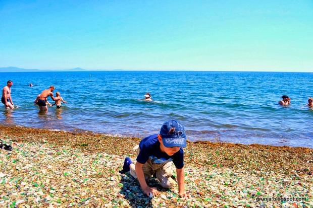 Hàng triệu mảnh thủy tinh bị vứt xuống biển, 10 năm sau điều không ai ngờ đến đã xảy ra - Ảnh 7.