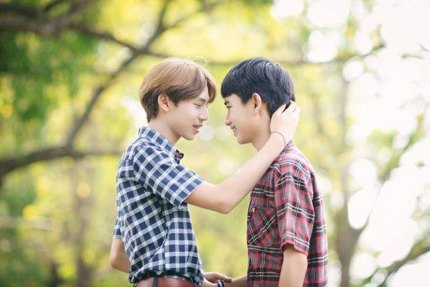 Không muốn đi một mình, anh chàng rủ bạn trai đồng tính sang Hàn Quốc để trùng tu nhan sắc - Ảnh 7.