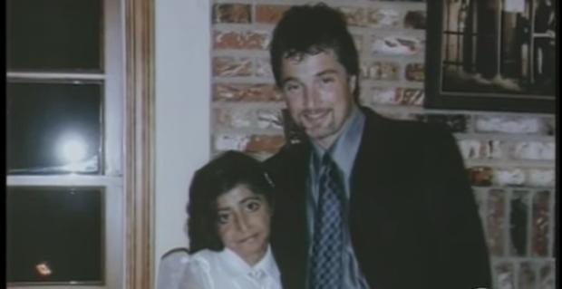 Con gái 9 tuổi bị bỏng đến tan chảy khuôn mặt, cha cầu cứu suốt 4 năm và phép màu đã đến - Ảnh 9.