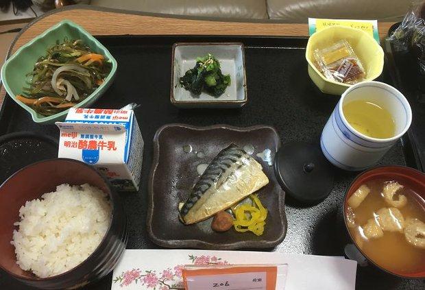 Đồ ăn bệnh viện đẳng cấp Nhật Bản: Nhìn qua bữa ăn của sản phụ, ai cũng tưởng đồ order nhà hàng - Ảnh 10.