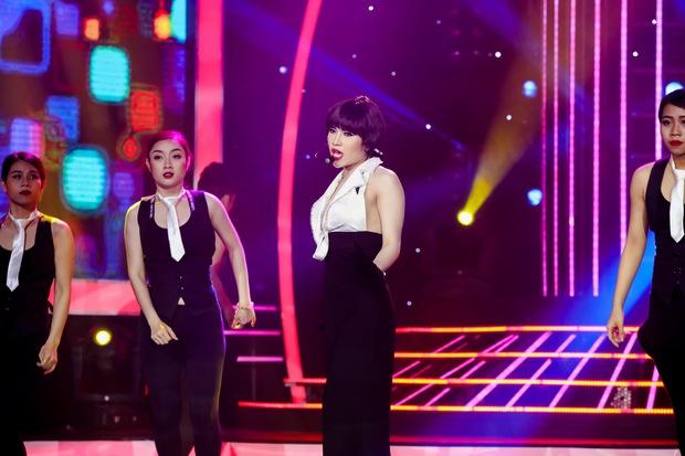 Đông Nhi sexy, Hồ Quỳnh Hương đu dây mạo hiểm trên sân khấu Gương mặt thân quen - Ảnh 6.