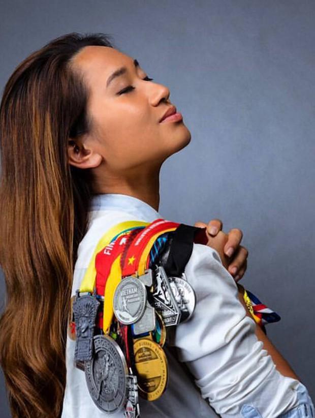 Cô gái Việt trở thành phụ nữ châu Á đầu tiên chinh phục 4 sa mạc khắc nghiệt nhất thế giới - Ảnh 2.