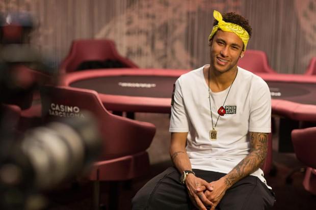 Neymar tỏ tình với Man Utd lẫn Man City - Ảnh 1.