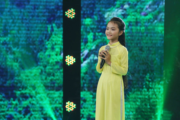 Cô bé Nghệ An khiến mẹ bật khóc trên truyền hình, khán giả bật dậy vỗ tay - Ảnh 3.