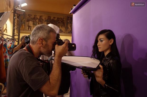 Clip độc quyền: Thùy Trang kết show Talbot Runhof tại Paris Fashion Week, nhận cát xê khủng ngay sau buổi diễn - Ảnh 10.