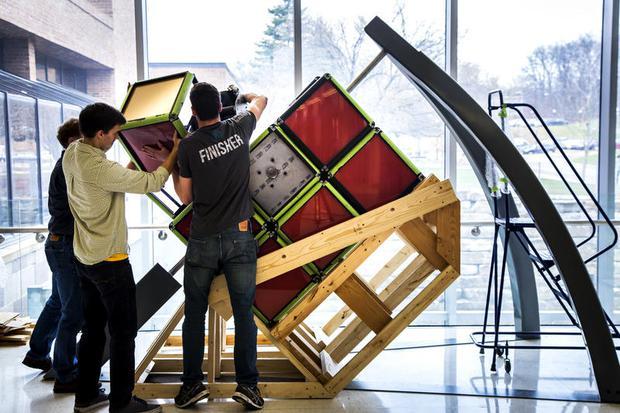 Khối rubik khổng lồ nặng 800kg thách thức người chơi - Ảnh 2.