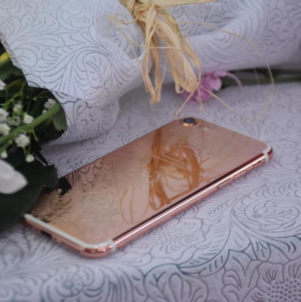 Tại thành phố xa hoa Dubai, iPhone cũng phải sang chảnh đến mức này mới chịu được - Ảnh 3.