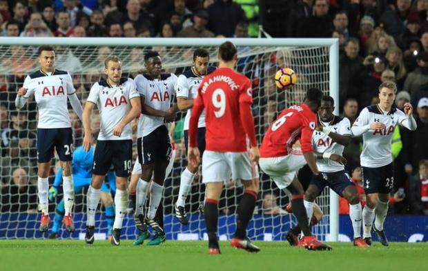 Bom tấn Paul Pogba đen nhất Man Utd - Ảnh 2.
