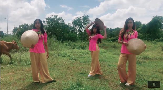 Tài Smile mang bản hit bự thế giới Despacito về với rặng dừa, lũy tre miền Tây - Ảnh 2.