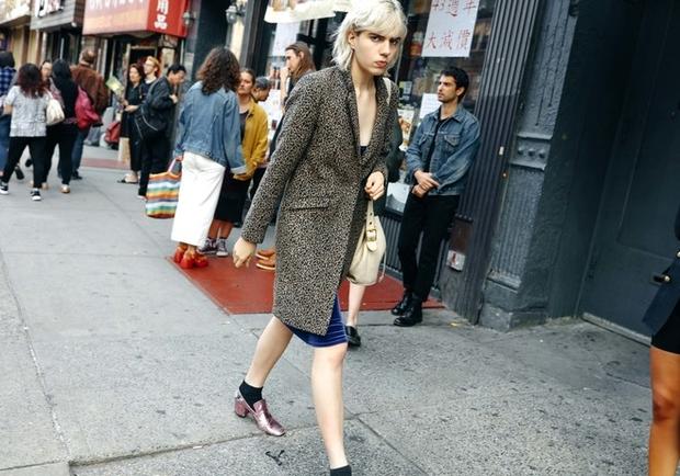 Nào chỉ hội tụ nhiều BST đẹp mĩ mãn, New York Fashion Week 2017 còn có vô vàn street style siêu chất - Ảnh 5.