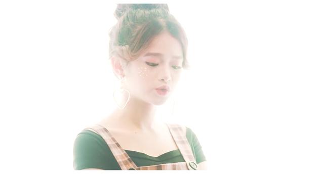 Quay MV cover Em gái mưa, Linh Ka nhận gạch vì chỉnh giọng quá nhiều - Ảnh 5.
