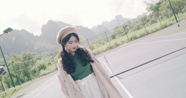 Quay MV cover Em gái mưa, Linh Ka nhận gạch vì chỉnh giọng quá nhiều - Ảnh 4.