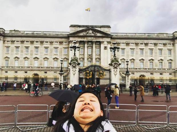 Cằm 2 ngấn đi khắp thế gian: Bộ ảnh du lịch có 1-0-2 của cô nàng mặt tròn vô cùng đáng yêu - Ảnh 3.