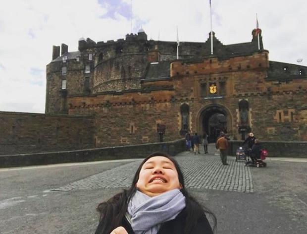 Cằm 2 ngấn đi khắp thế gian: Bộ ảnh du lịch có 1-0-2 của cô nàng mặt tròn vô cùng đáng yêu - Ảnh 2.