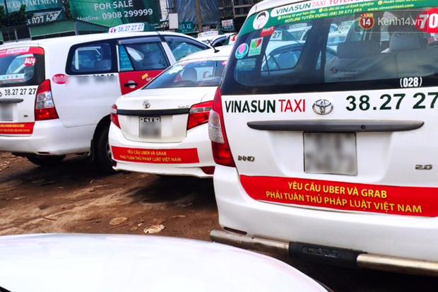 Hàng loạt ý kiến bức xúc việc taxi Vinasun dán decal phản đối Uber và Grab: Thay vì cạnh tranh không lành mạnh, hãy nâng cao chất lượng dịch vụ - Ảnh 3.