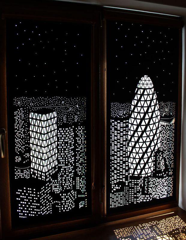 Tấm rèm cửa đục lỗ khiến bạn có cảm giác như đang sống trong penthouse nhìn xuống thành phố - Ảnh 2.