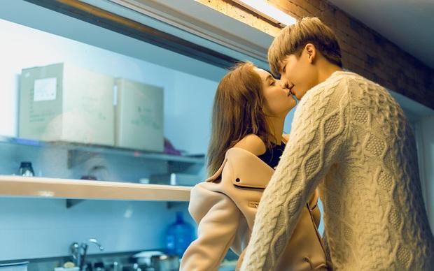 Hôn nhau thế này trong MV, hỏi sao MLee không bị nghi ngờ hẹn hò với bạn diễn điển trai - Ảnh 4.
