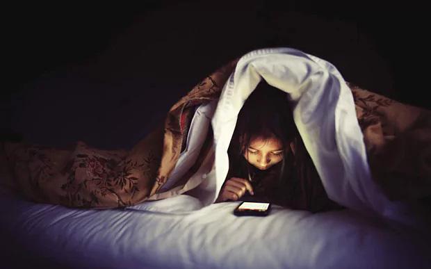 Khoa học tìm ra số giờ ngủ chính xác mỗi đêm khiến bạn hạnh phúc nhất - Ảnh 2.