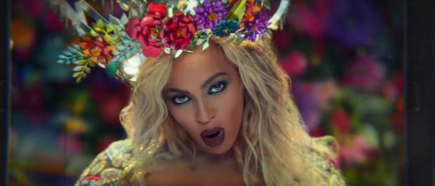 Vừa ra mắt, MV thực hiện tại Ấn Độ của Lưu Hương Giang đã bị cho rằng quá giống với MV của Coldplay và Beyonce - Ảnh 6.
