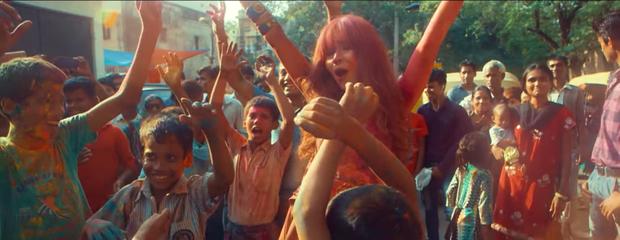 Vừa ra mắt, MV thực hiện tại Ấn Độ của Lưu Hương Giang đã bị cho rằng quá giống với MV của Coldplay và Beyonce - Ảnh 5.