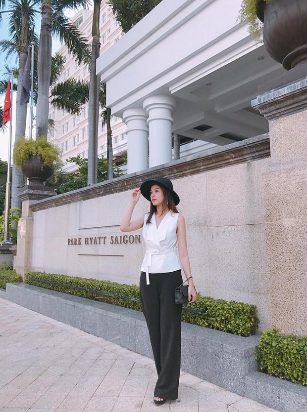 Minh Tú & Á hậu Huyền My cùng diện mốt sporty-chic trễ nải, ai đẹp hơn? - Ảnh 7.