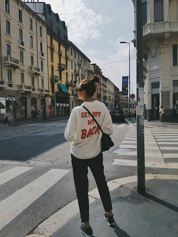 Cùng ở Milan mới thấy, Thanh Hằng và Kỳ Duyên quả có sự tương đồng khó tả về khoản street style - Ảnh 1.