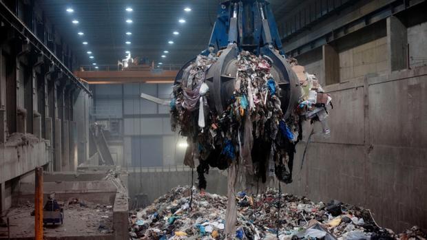 Quốc gia này đang nhập khẩu hàng triệu tấn RÁC mỗi năm, và lý do khiến cả thế giới phải nể phục - Ảnh 5.
