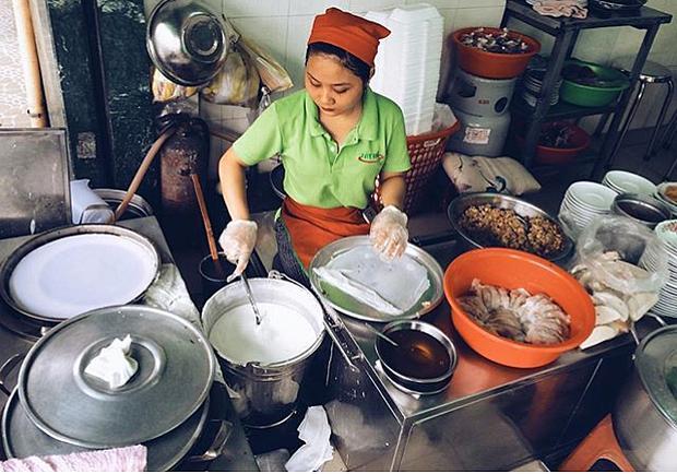 """3 quán bánh cuốn ngon """"nức nở"""" cho ngày mát trời tại Sài Gòn - Ảnh 17."""