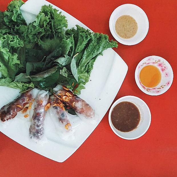 """3 quán bánh cuốn ngon """"nức nở"""" cho ngày mát trời tại Sài Gòn - Ảnh 20."""