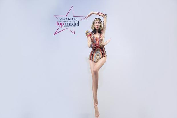 Next Top Model: Thùy Dương được khen tới tấp, Cao Thiên Trang bị chê nói quá nhiều! - Ảnh 4.
