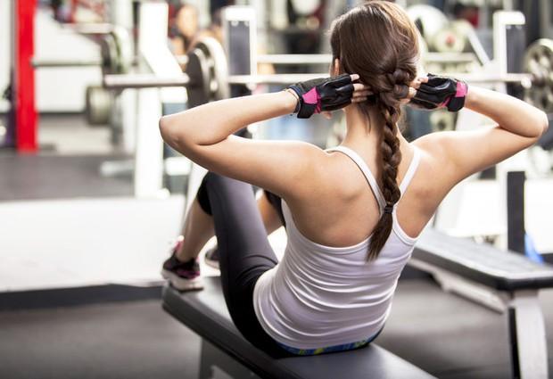 6 lỗi sai kinh điển khi bạn lao đầu vào tập gym giảm cân - Ảnh 3.