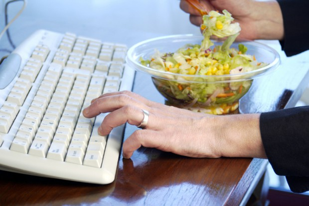 Thời điểm tệ nhất cho việc ăn trưa mà cứ đi làm là thế nào cũng mắc phải - Ảnh 3.