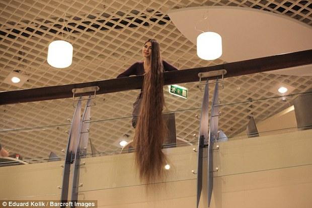 Tìm thấy công chúa Rapunzel đời thật với mái tóc dài hơn 2m - Ảnh 4.