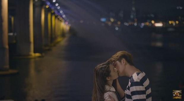 Junsu (Kang Tae Oh) cuối cùng cũng muốn hôn Linh (Nhã Phương) trong Tuổi Thanh Xuân 2 - Ảnh 7.