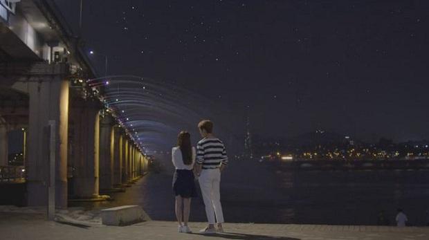 Junsu (Kang Tae Oh) cuối cùng cũng muốn hôn Linh (Nhã Phương) trong Tuổi Thanh Xuân 2 - Ảnh 3.