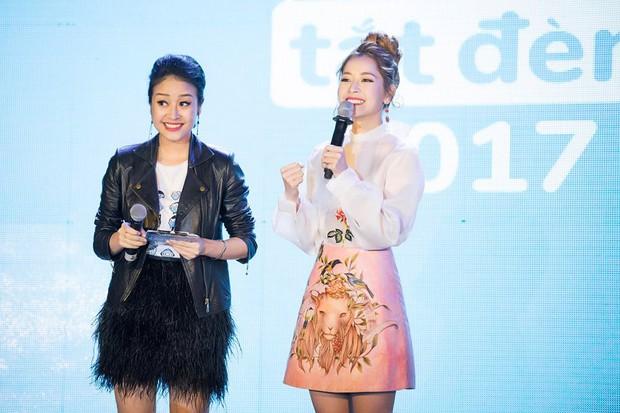 Cũng với trang phục này, Chi Pu được khen ngợi hết lời bởi hào quang rạng ngời như một nàng công chúa.