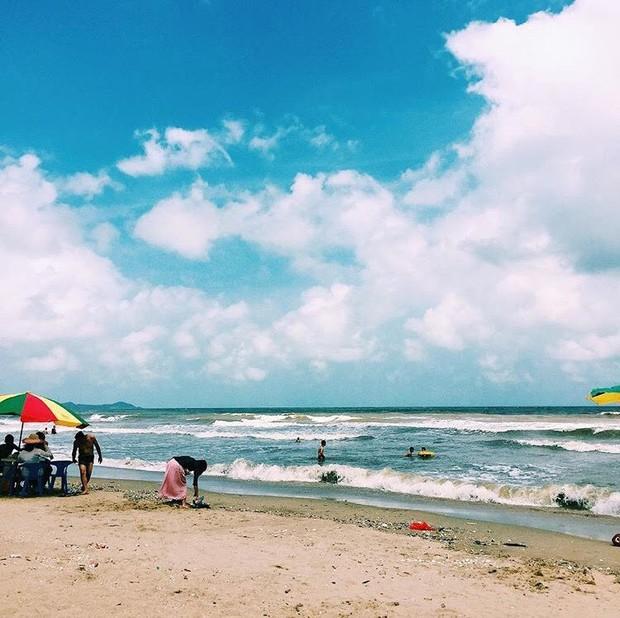 5 bãi biển ngay gần Hà Nội để 99er đi xả hơi nhanh gọn sau kỳ thi - Ảnh 3.