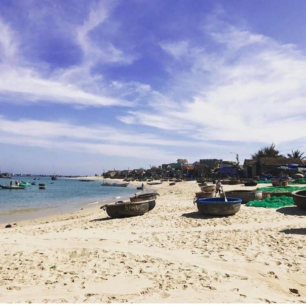 Những con đường giữa biển đẹp mê hồn ở Việt Nam mà bạn chưa biết tới - Ảnh 15.