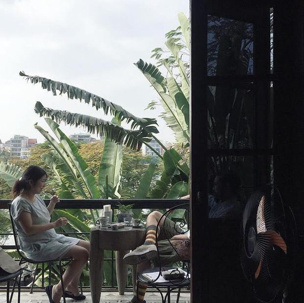 6 quán cafe ở khu hồ Tây luôn nằm trong top check-in của giới trẻ Hà Nội - Ảnh 2.