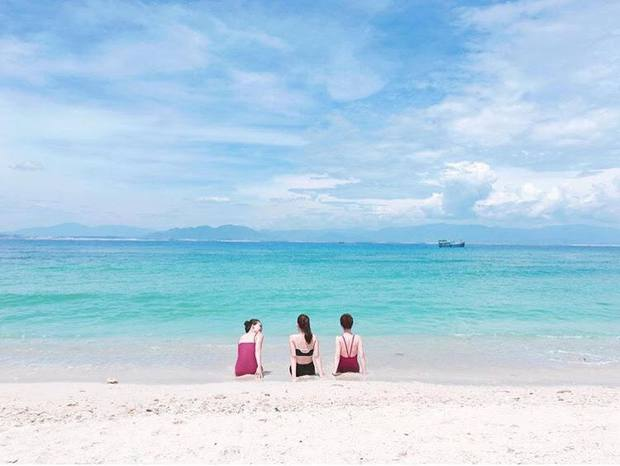 Những con đường giữa biển đẹp mê hồn ở Việt Nam mà bạn chưa biết tới - Ảnh 6.