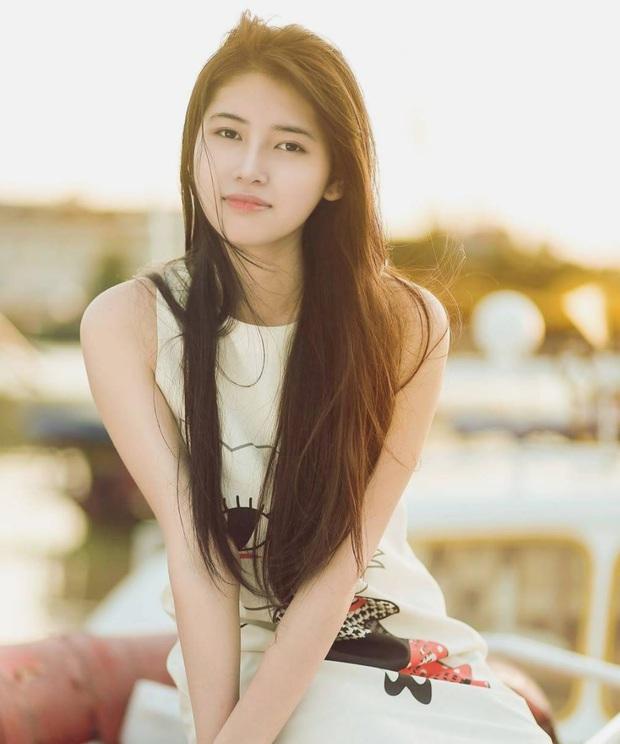 Cô bạn Hải Phòng bị chụp lén lúc đang ngủ gật được gọi là Suzy phiên bản Việt - Ảnh 5.