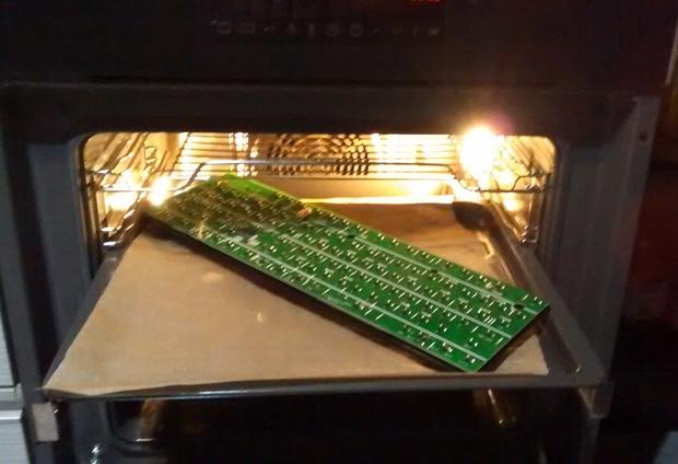 Cận cảnh quá trình dọn dẹp chiếc bàn phím 6 năm không tắm này sẽ khiến bạn nổi da gà - Ảnh 14.