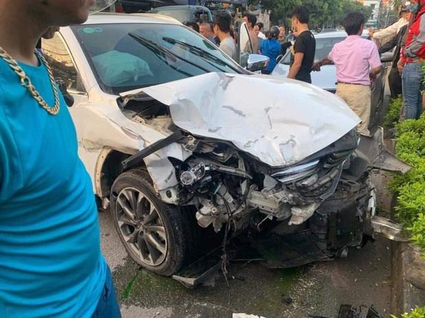 Vụ ô tô điên đâm hàng loạt phương tiện khiến 1 người tử vong ở Hà Nội: Tài xế 18 tuổi khai mượn xe của anh rể - Ảnh 1.